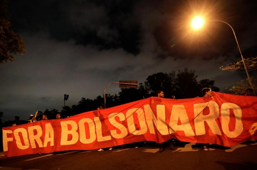 Bolsonaro llama