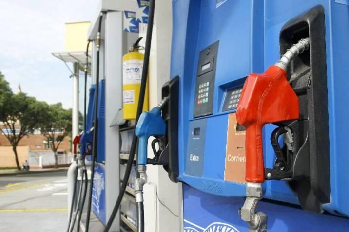 Aumentan RD$2.50 a la gasolina regular y RD$1.90 a la Premium