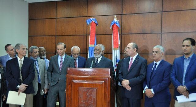 Colegio Médico Dominicano levanta paro, llegan a acuerdo con ARS, retoman servicios