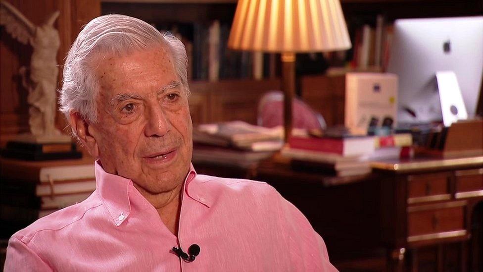 Mario Vargas Llosa: «Me gustaría que la muerte me hallara escribiendo, como un accidente»