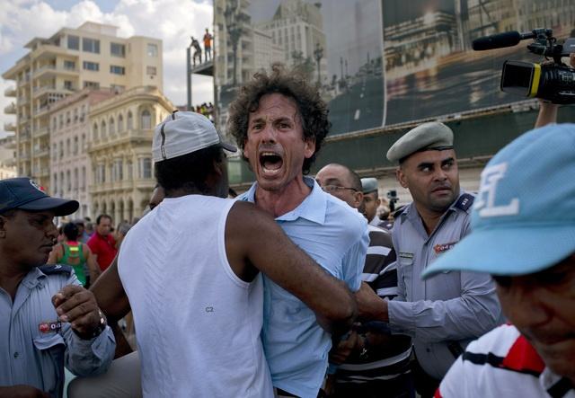 Image result for marcha gay en Cuba