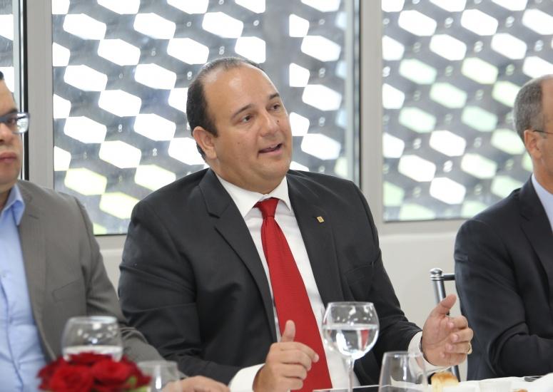 Ramón Marcelino, Vicepresidente y jefe administrativo Scotiabank.