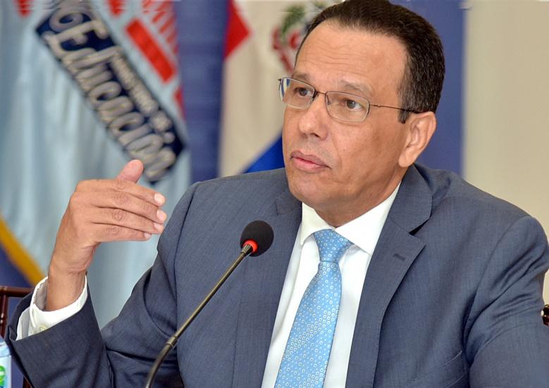 Ministro Peña Mirabal condena desórdenes estudiantes en Santiago y Santo Domingo; sancionarán responsables