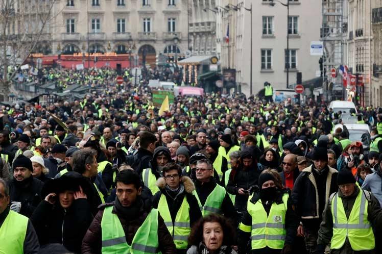 Francia registra unas 50 mil manifestaciones de chalecos amarillos