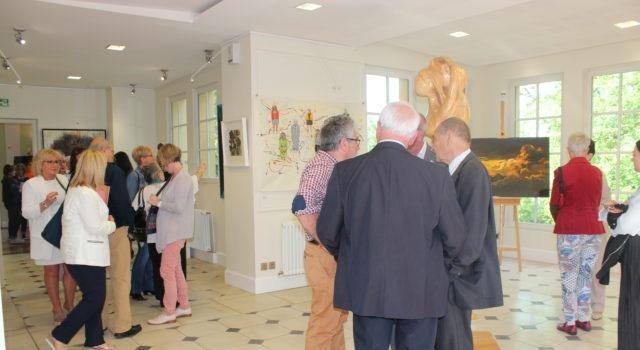 Francia inaugura exposición sobre la identidad y memoria de artistas dominicanos
