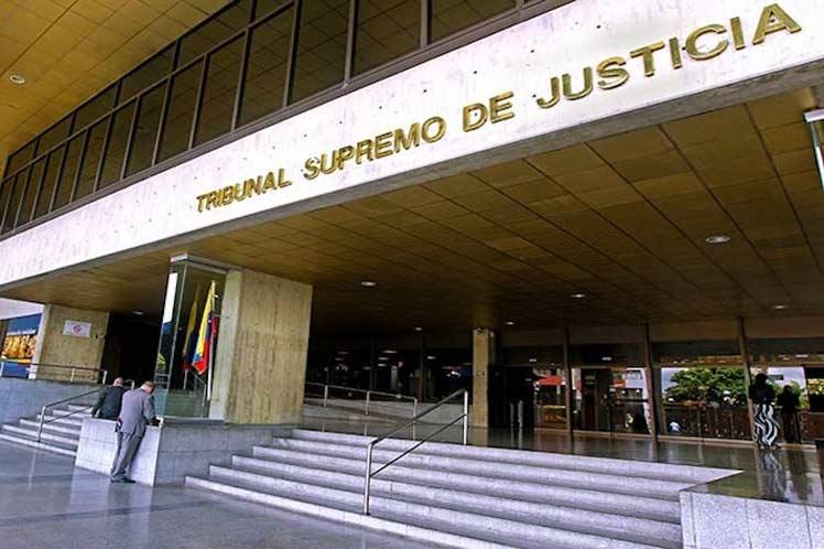 Justicia venezolana pasa a juicio opositores acusados de conspiración