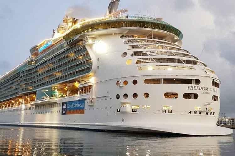 Resultado de imagen para Crisis de cruceros en Puerto Rico