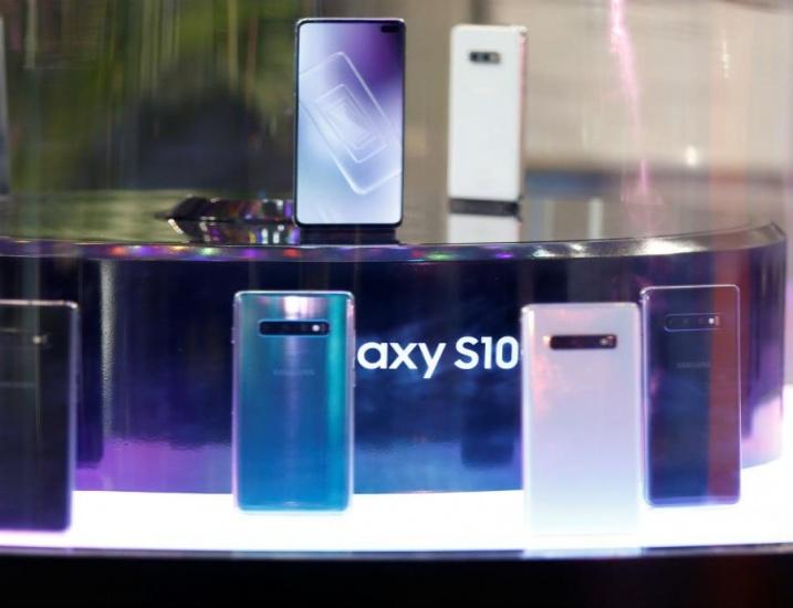 Acusan a Samsung de engañar sobre la resistencia al agua de sus teléfonos