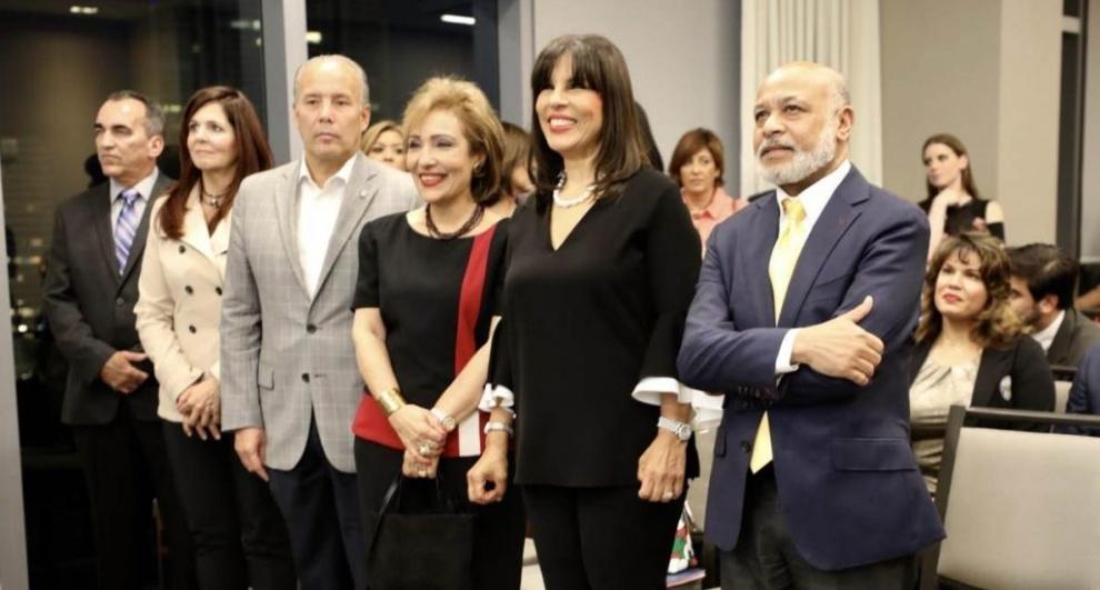 """Promueven en la ciudad de Miami """"Premio Internacional al Emigrante Dominicano Sr. Oscar de la Renta"""""""