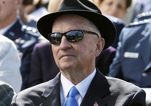 Fallece el excéntrico multimillonario y excandidato presidenical estadounidense Ross Perot a los 89 años