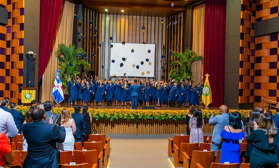 Colegio Luis Muñoz Rivera graduó su promoción 2019