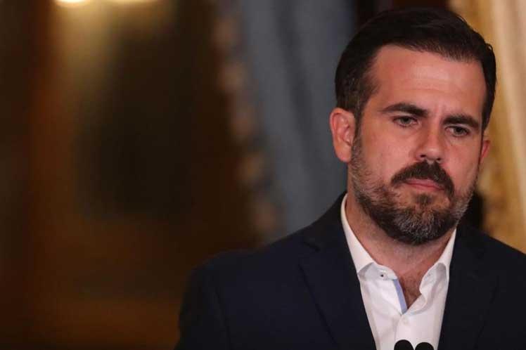 Acusan al gobernador puertorriqueño de cuenta bancaria sospechosa
