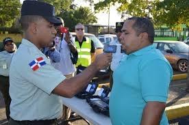 En primero operativo de 65 conductores evaluados 30 no pasaron prueba de alcohol