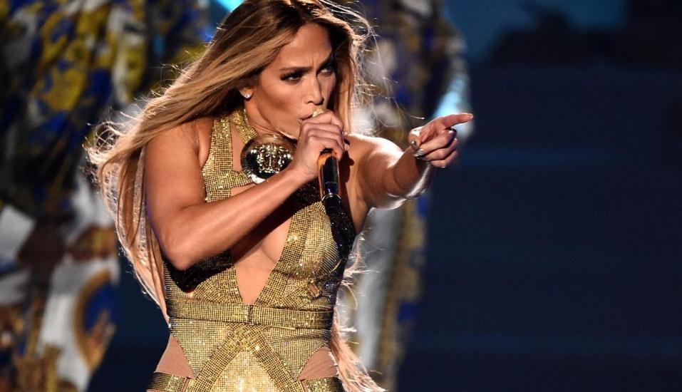 Jennifer Lopez conquista la Costa del Sol pero veta a la prensa