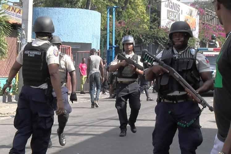Policía de Haití anuncia operativos para pacificar la capital