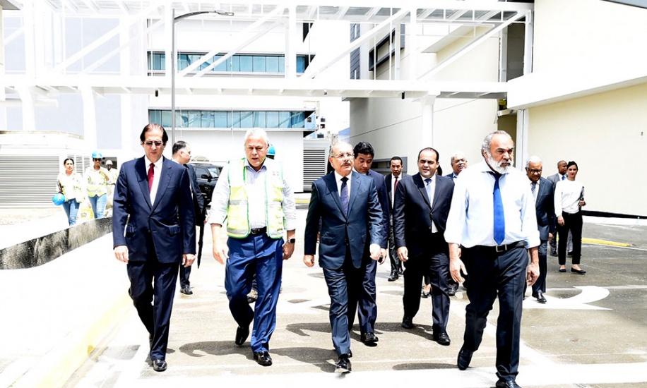 Presidente Danilo Medina supervisa los trabajos en la Ciudad Sanitaria