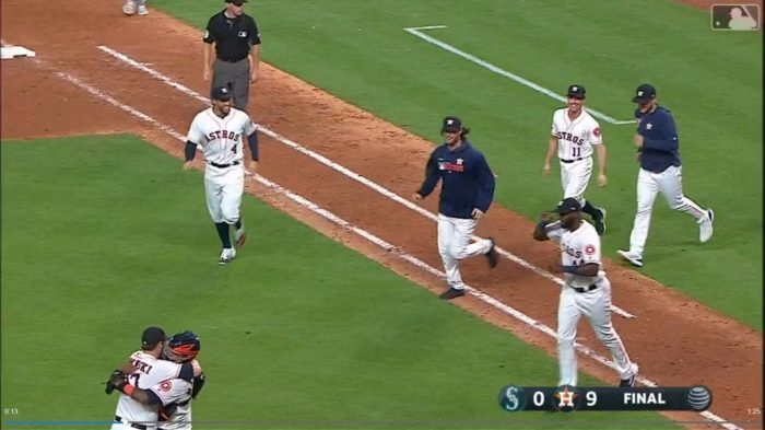 Astros lanzaron un no-hitter combinado