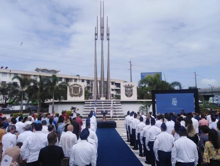 Alcalde David Collado reinaugura Plazoleta La Trinitaria