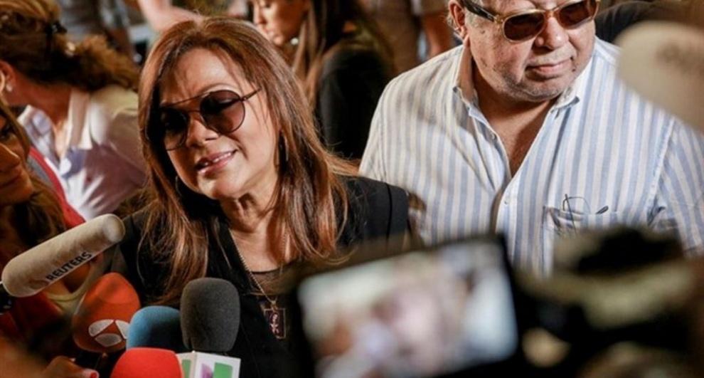 Cantante Ángela Carrasco deplora muerte de su gran amigo el cantante español,