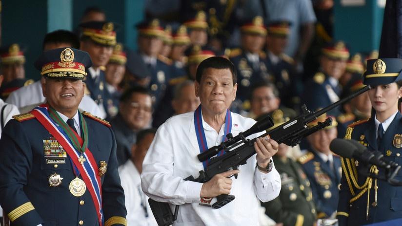 Presidente de Filipinas, Rodrigo Duterte insta a agredir a funcionarios corruptos