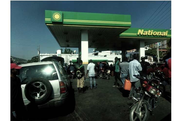 Gobierno de Haití niega próximo anuncio de alza de combustibles