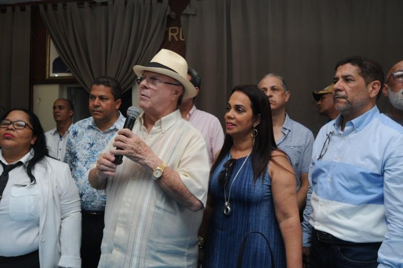 Hipolito Mejia afirma es asunto de sobrevivencia evitar el deterioro de la naturaleza en Dominicana
