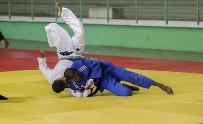 Judocas de UTESA conquistan campeonato con máximos honores