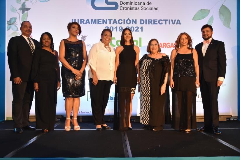 Juramentan la nueva directiva del Circulo de Cronistas Sociales en Dominicana