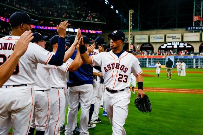 Astros de Houston vencen a Rays de Tampas y van contra Yankees