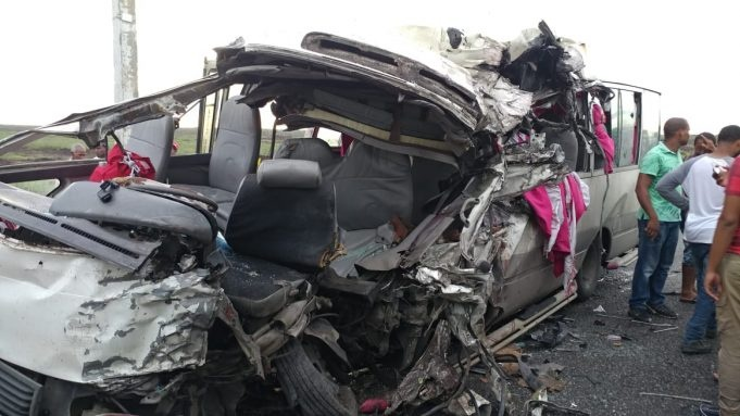 Dos muertos y varios heridos dejó iun accidente en la carretera Montecristi-Dajabón