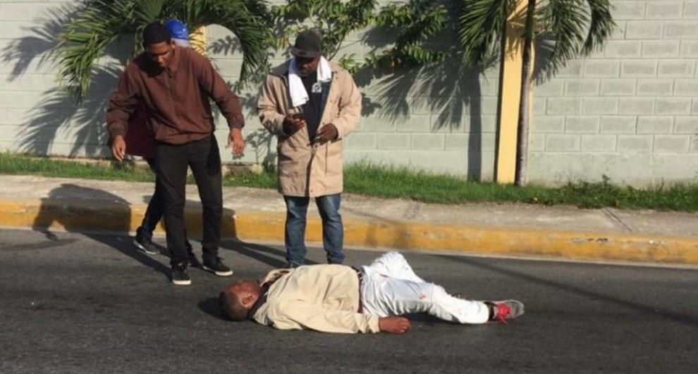 Hieren hombre de bala en centro de votación de la comunidad Verón, Higüey