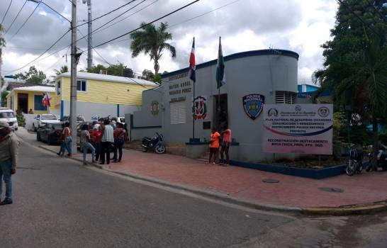 Policía investiga dos casos de asesinato de italianos en Boca Chica este municipio