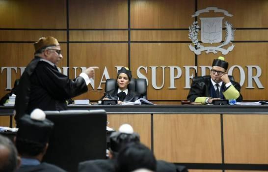 Tribunal Electoral se declara competente para conocer recurso que interpuso ex presidente Leonel