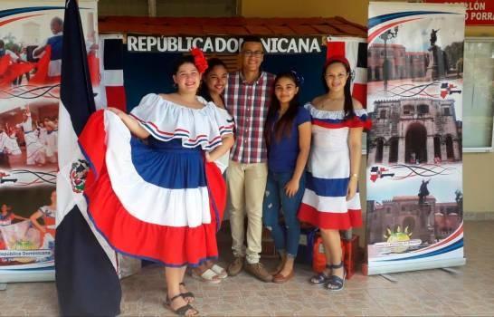 Estudiantes panameños destacan cultura dominicana en Día Mundial del Turismo