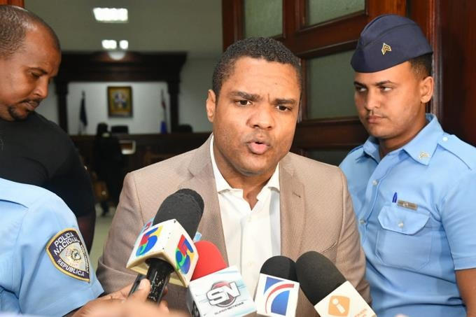 Segundo Tribunal Colegiado le canta 20 años a Donni Santana por incesto - Nación Dominicana