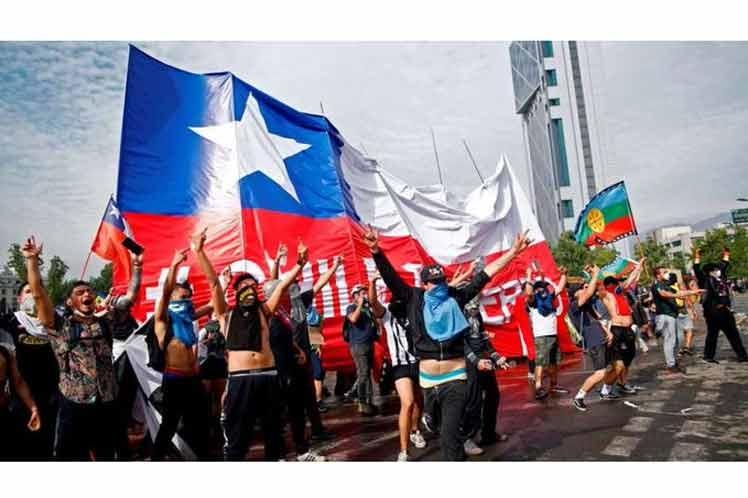 Protestas se multiplican en Santiago de Chile