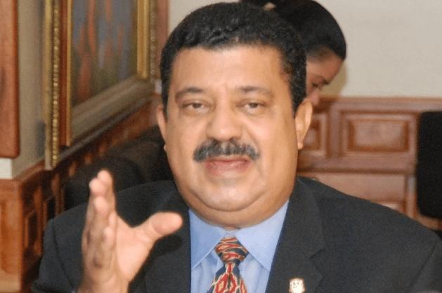 Euclides Sánchez, senador por La Vega afirma que si el PLD no retoma el camino se puede hasta desintegrar