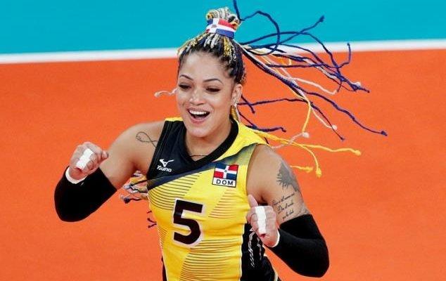 Brenda Castillo regresa a las prácticas con Las Reinas del Caribe tras lesión