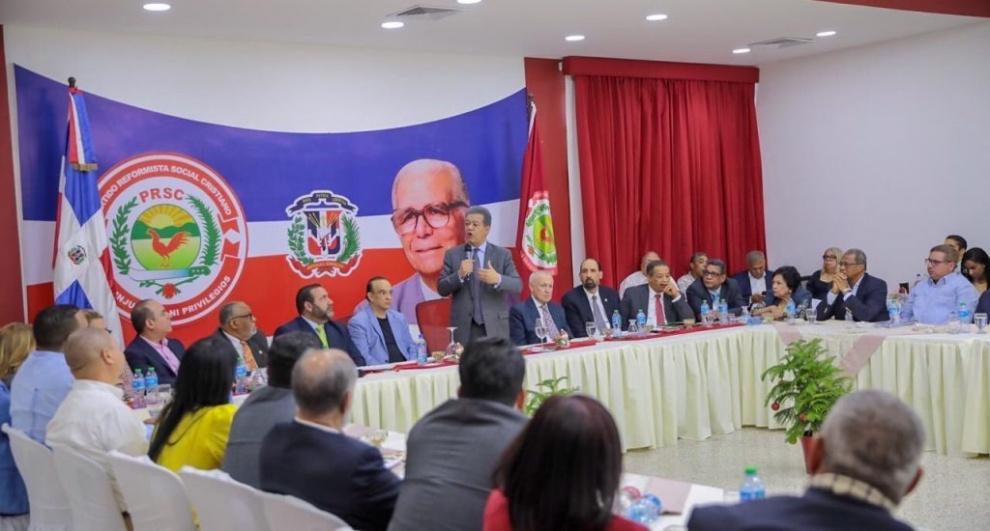Leonel Fernández reitera leyes no le impiden ser candidato presidencial en 2020