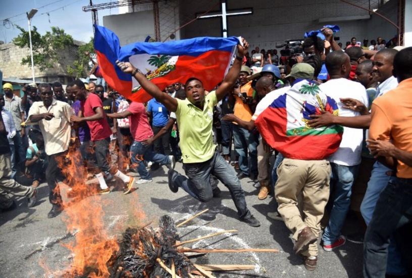 Haití sigue encendido; un muerto y varios heridos en protestas para exigir salida de Moise