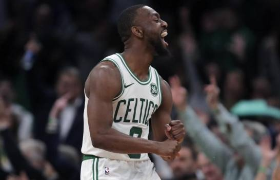 Celtics doblegan a Mavs;  Walker anota 29 puntos; Jazz derrota a Warriors 122-108