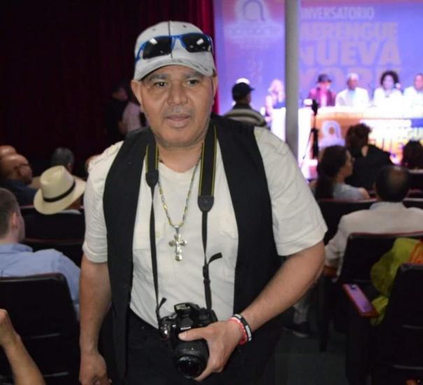 Muerte de reportero gráfico embestido por camión conmueve a comunicadores y periodistas en Nueva York