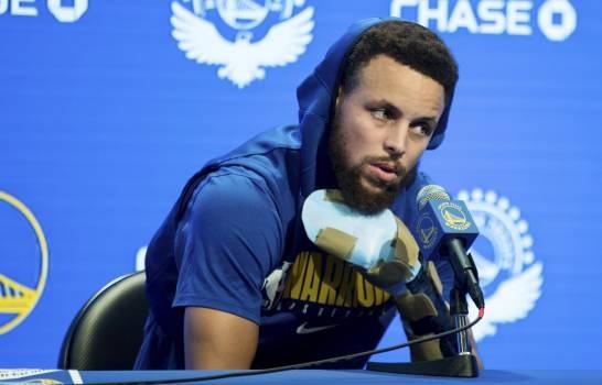 Stephen Curry seguirá fuera por el resto de año; Se desconoce la fecha exacta de regreso