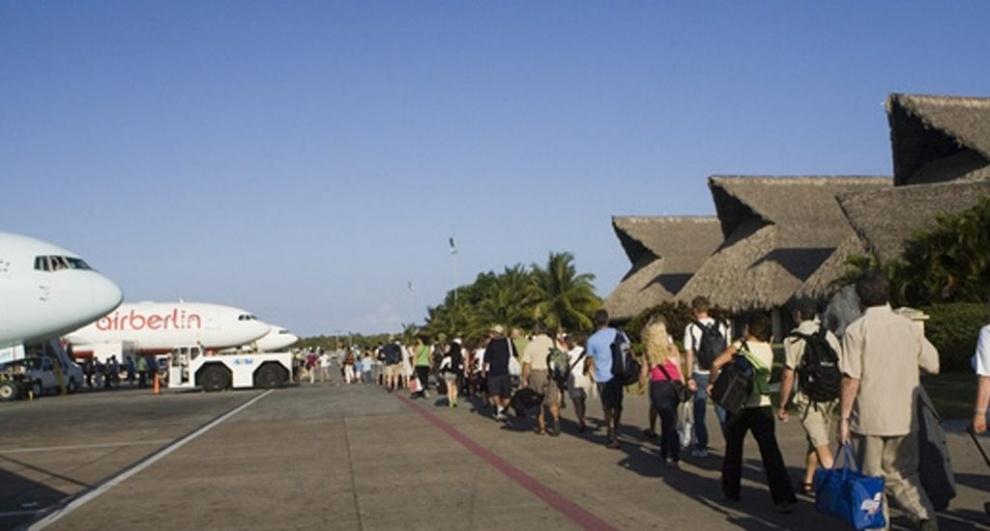El turismo extranjero en RD cae un 3.8 % hasta octubre, según el Banco Central