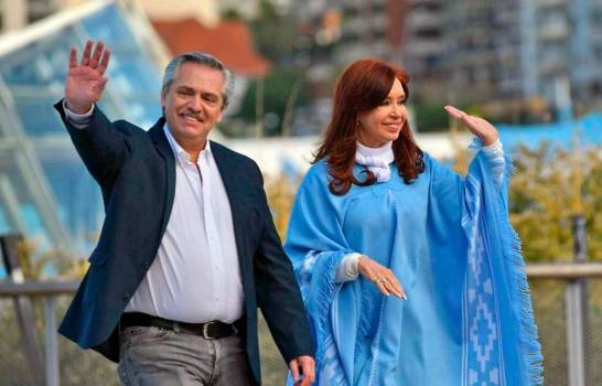 Argentina: Alberto y Cristina Fernández juran en sus cargos