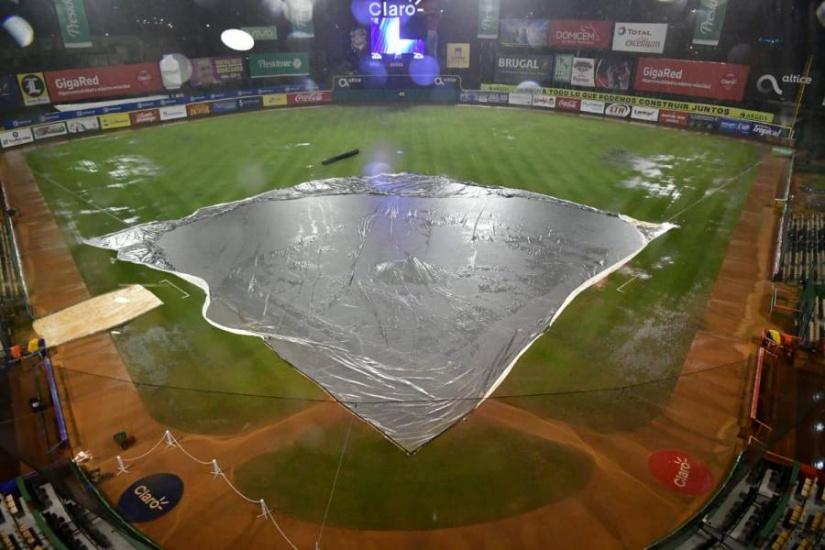 Lluvias impidió choque Licey y Gigantes en el estadio Quisqueya; se jugaría el próximo miércoles