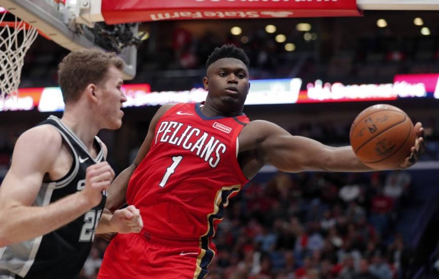 Zion Williamson protagoniza un estreno portentoso en la NBA