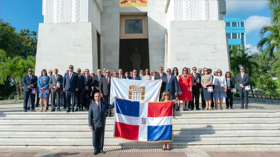 Gobernador Valdez Albizu reafirma compromiso del BCRD con la estabilidad de precios, cambiaria y macroeconómica