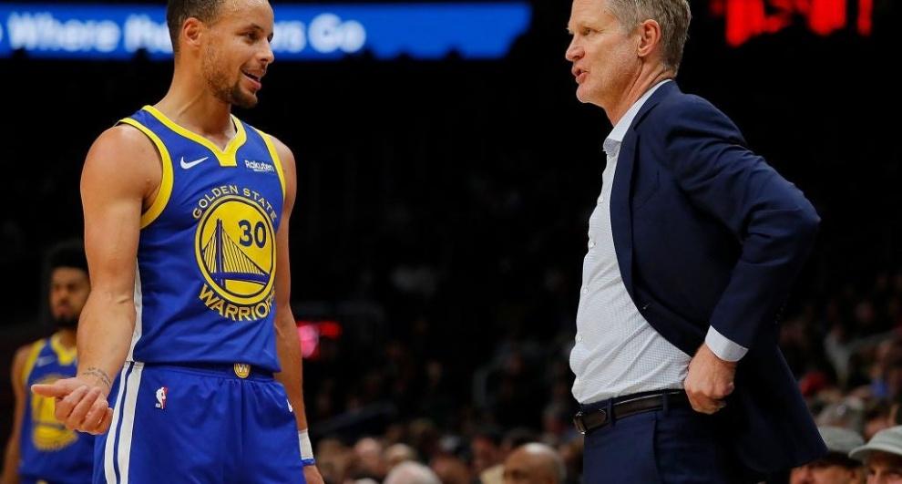 Dirigente Steve Kerr pone en duda el regreso de Curry para el primero de marzo
