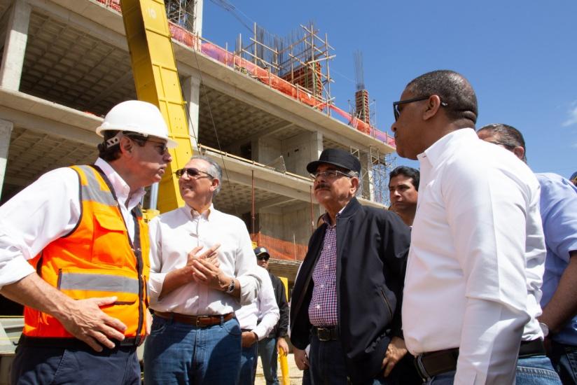 Presidente constata avances construcción Circunvalación SD, Hospital Boca Chica, estancias, CAID y Palacio Justicia provincia Santo Domingo
